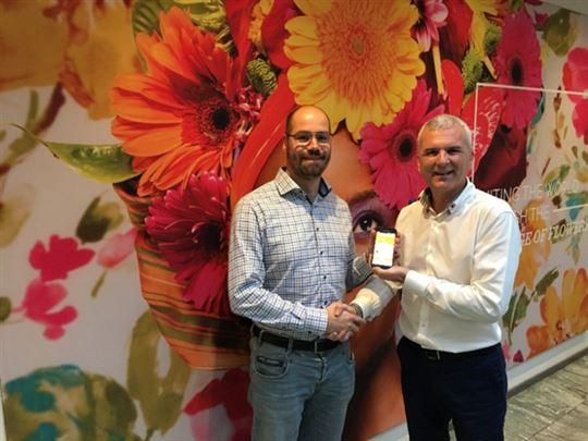 Marcel Vrijman (Product Owner Digital Dummen Orange) (links) en Pim van Westen (algemeen directeur Synobsys)