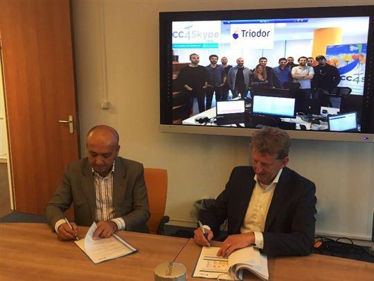 Links: drs. Ing Salih Hikmet Cosgun (Triodor), rechts: Marcel Reuvers (CC4Skype B.V.)