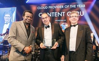 Managing Director Sean Taylor van Content Guru neemt in Londen de award in ontvangst